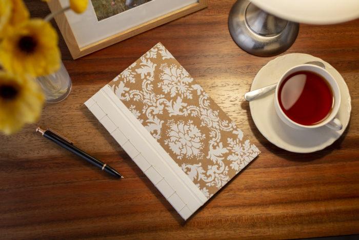 Renda extra: como ganhar dinheiro com artesanato - cuidados para trabalhar em casa
