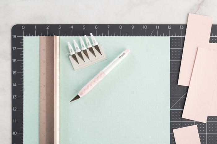 Papelaria personalizada: Materiais para iniciar - estilete