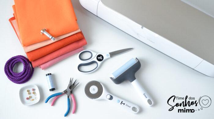 Lista de materiais do tutorial de como fazer colar de feltro