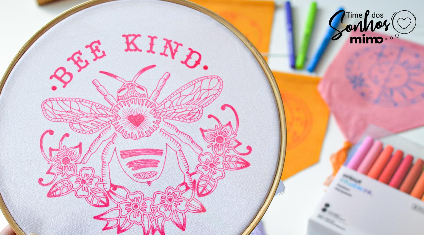 Bastidor decorado com tecido sublimado com produtos Infusible Ink