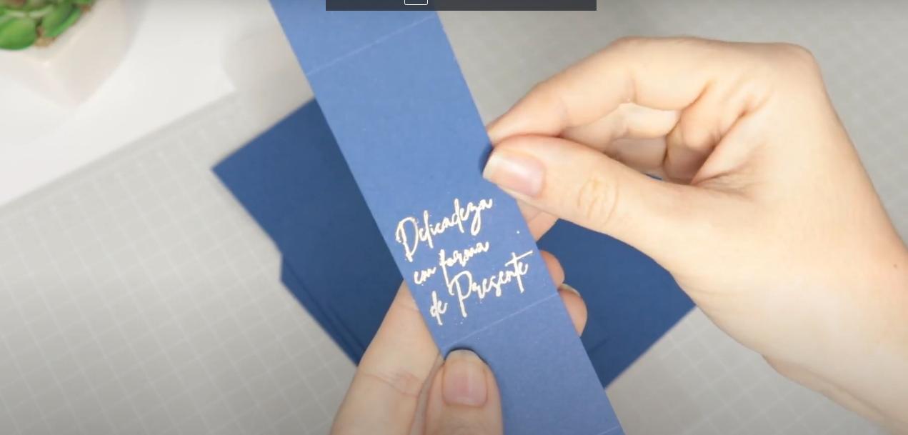 Papel Color Pop Mimo com a Aplicação de Foil