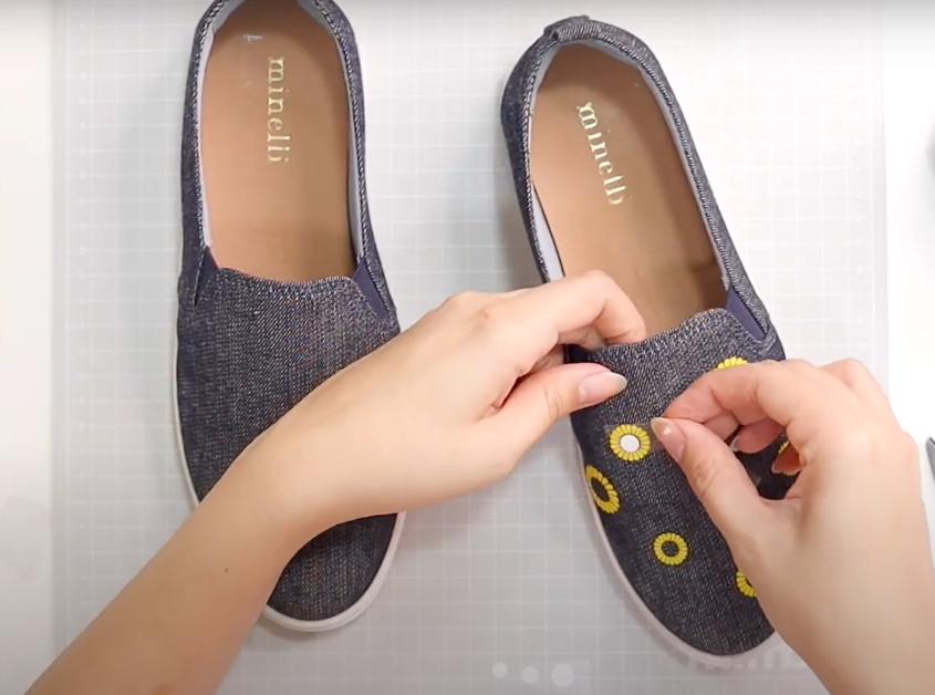 Colocando o Miolo do Girassol no Sapato