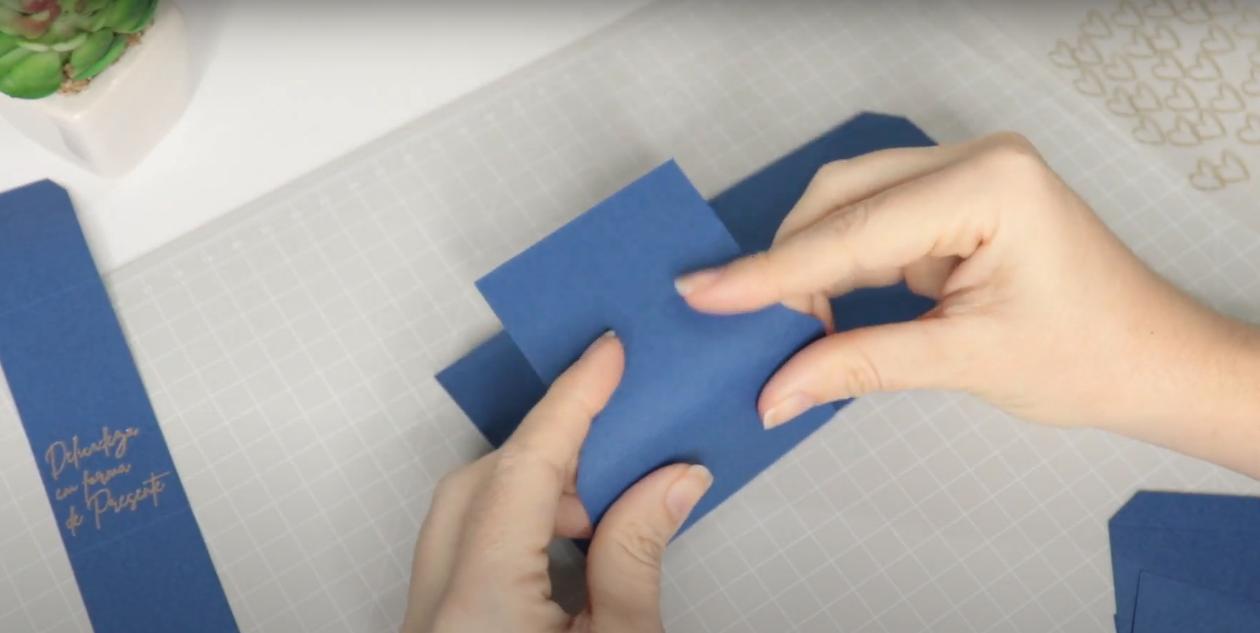 Reforçando os Vincos - Como Aplicar Foil Sem Impressão a Laser